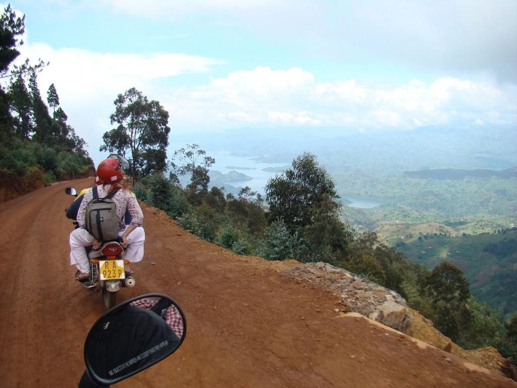 rwanda traveling