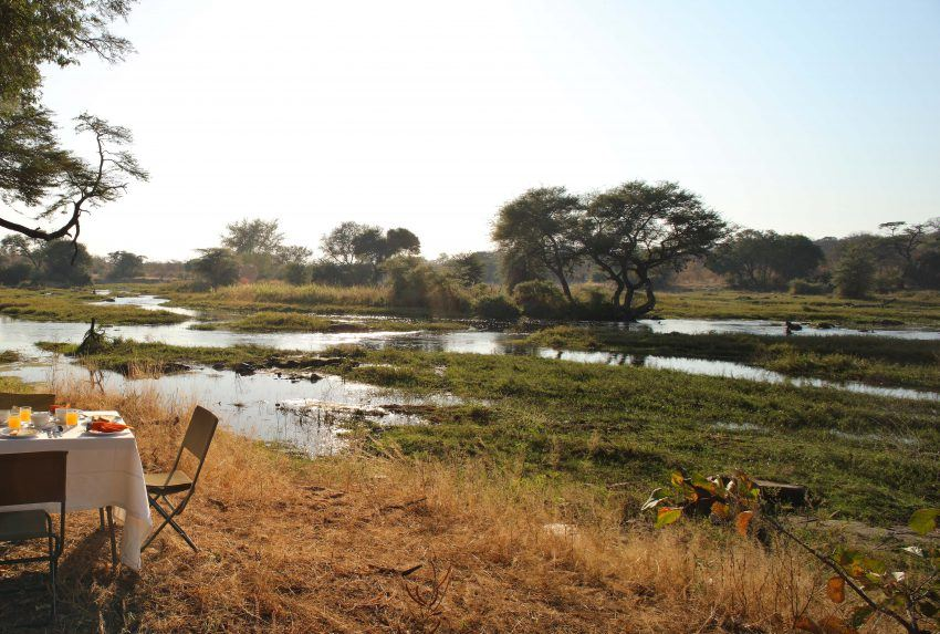 Bush breakfast beside the Great Ruaha River