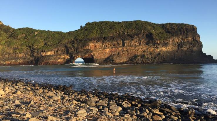 Hole-in-the-wall on the Eastern Cape Coast
