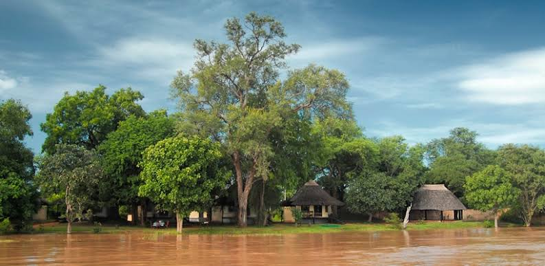 Luangwa River in flood – Nkwali – Robin Pope Safaris